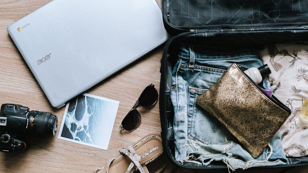 Stylizacyjne wakacyjne niezbędniki na każdy wyjazd