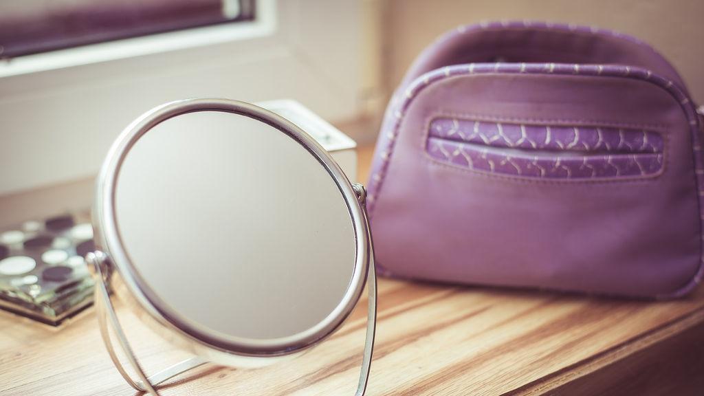 Kwas glikolowy w domu – jak stosować, na co używać, czy działa? Moje doświadczenie