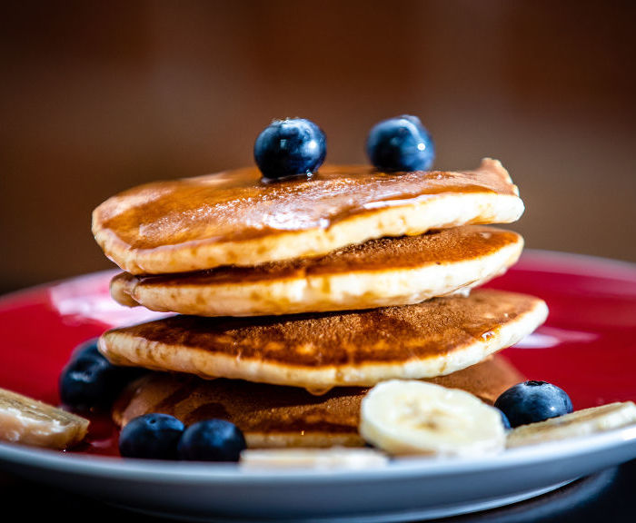 Przepis na puszyste pancakes z maślanką, najlepsze po tej stronie Wisły!