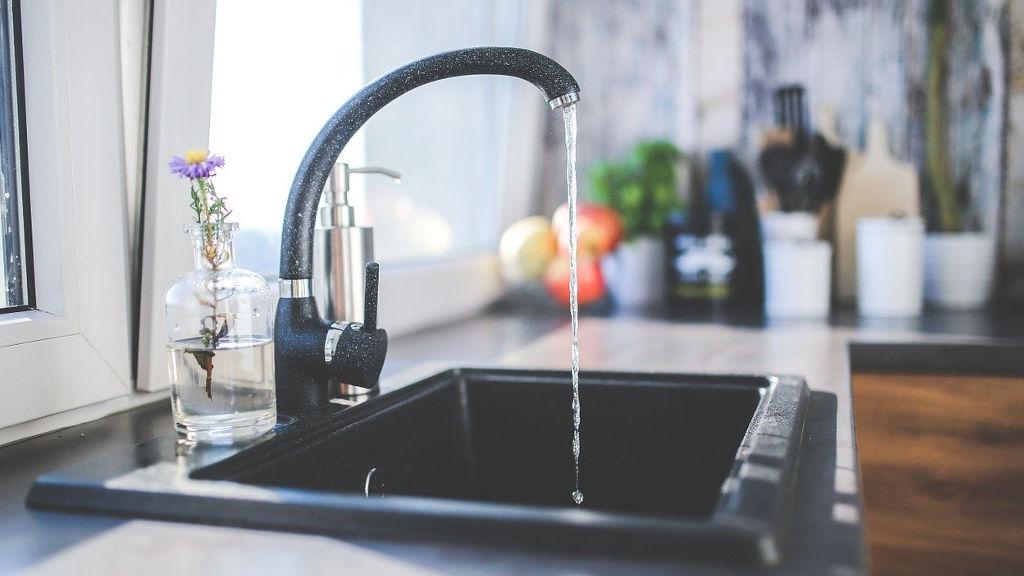 Brzydkie zapachy w kuchni – jak się ich pozbyć?